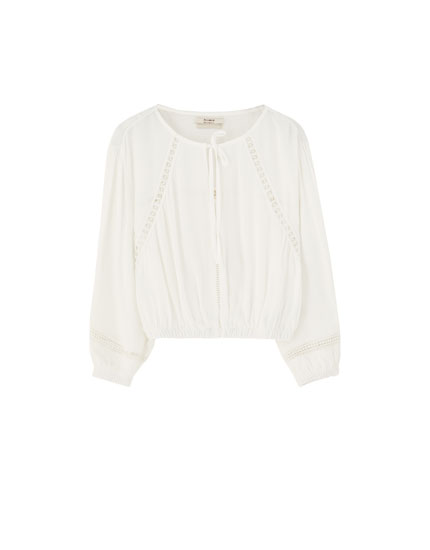 Long sleeve blouse with lace trims