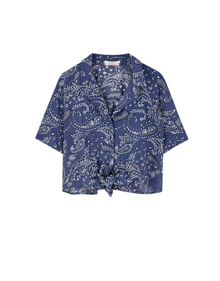 Bandanna print shirt with a lapel collar