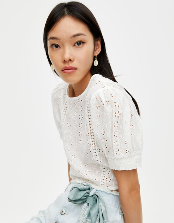 553c717ed0 White top with Swiss embroidery - PULL&BEAR