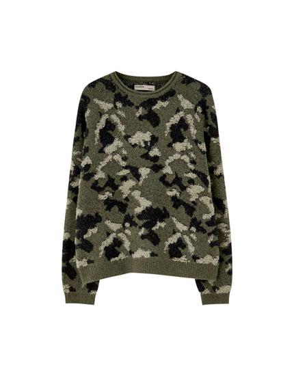 Camouflage round neck sweater