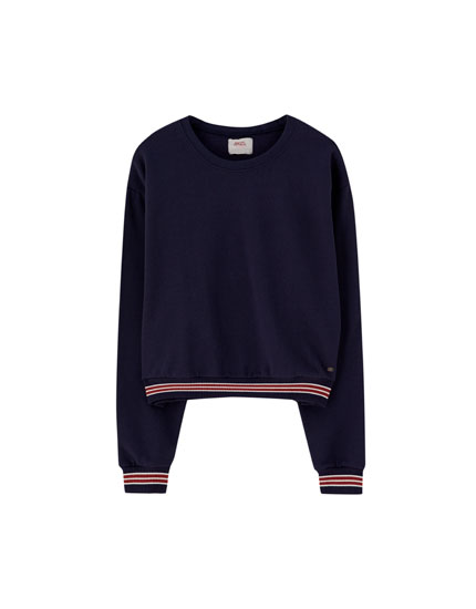 Sweatshirt with striped hem