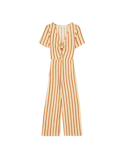 Striped jumpsuit with ring