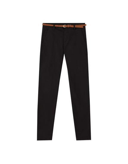 Pantalón chino básico cinturón