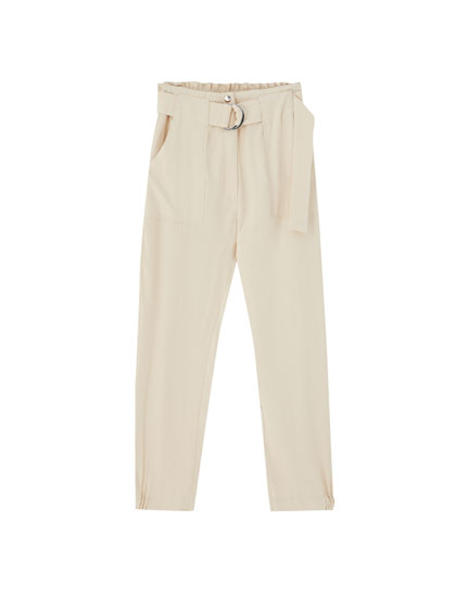 Belted trousers with buckle