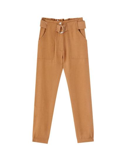 Pantalón cinturón hebilla