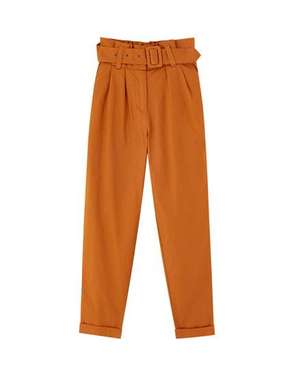 Pantalón paperbag cinturón tejido