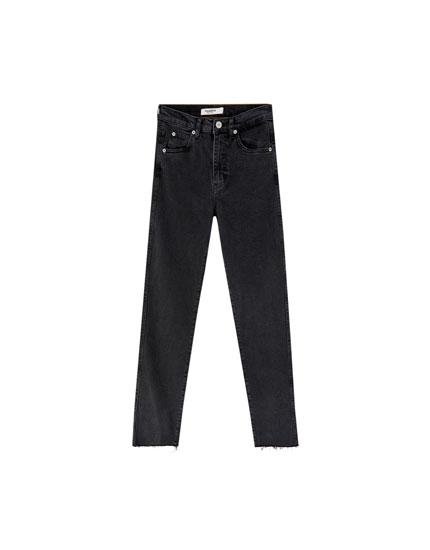 Slim fit comfort mom jeans