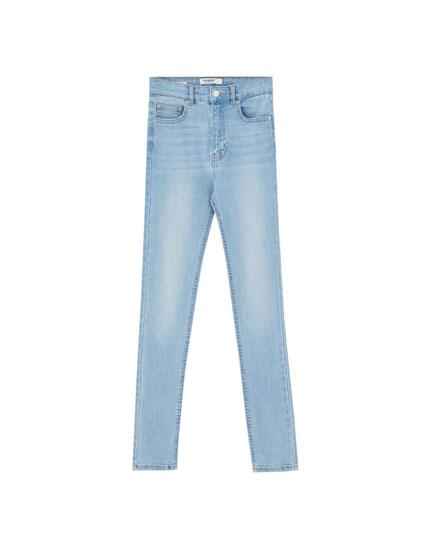 Jeans skinny tiro alto básicos