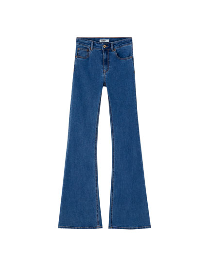 Flared mid-waist jeans with pockets