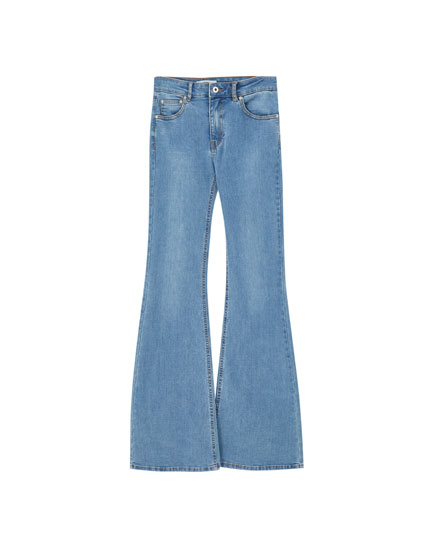 Basic-Jeans mit Schlag