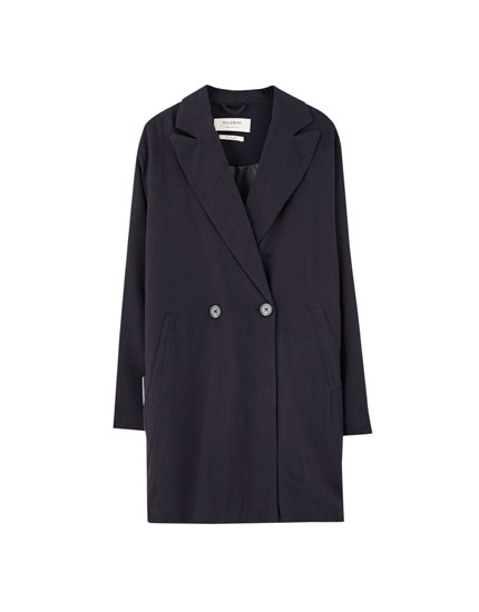Loose-fitting two-button coat