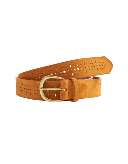 Die-cut belt with buckle