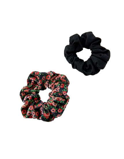 Pack of 2 velvet floral scrunchies