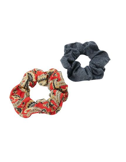 Pack of 2 paisley scrunchies