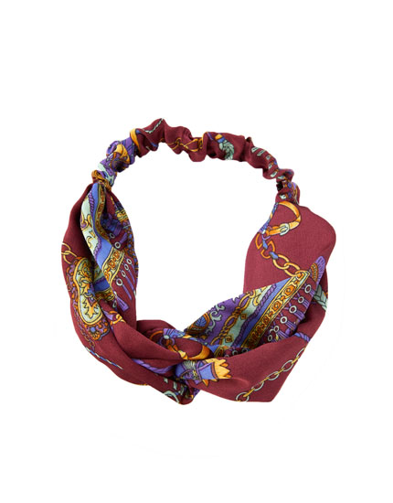 Bordeaux bandana met kettingenprint
