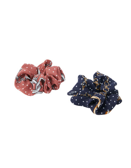 2-pack of chain print scrunchies