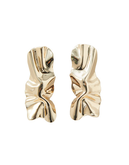 Creased-effect earrings