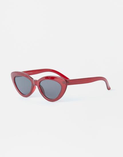 Maroon cateye sunglasses