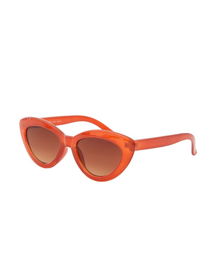 Karamellfarbene Cat-Eye-Brille