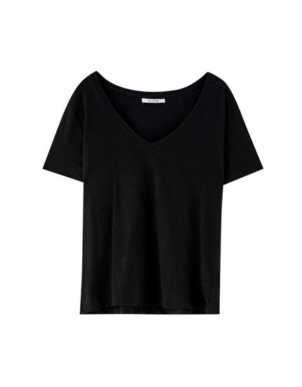 Camiseta básica escote pico