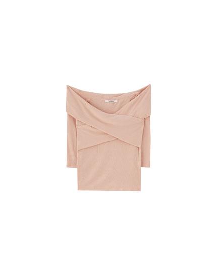 Camiseta escote cruzado lisa