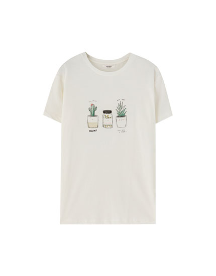 T-shirt with decorative drawing