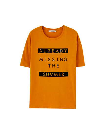 T-shirt with contrasting slogan