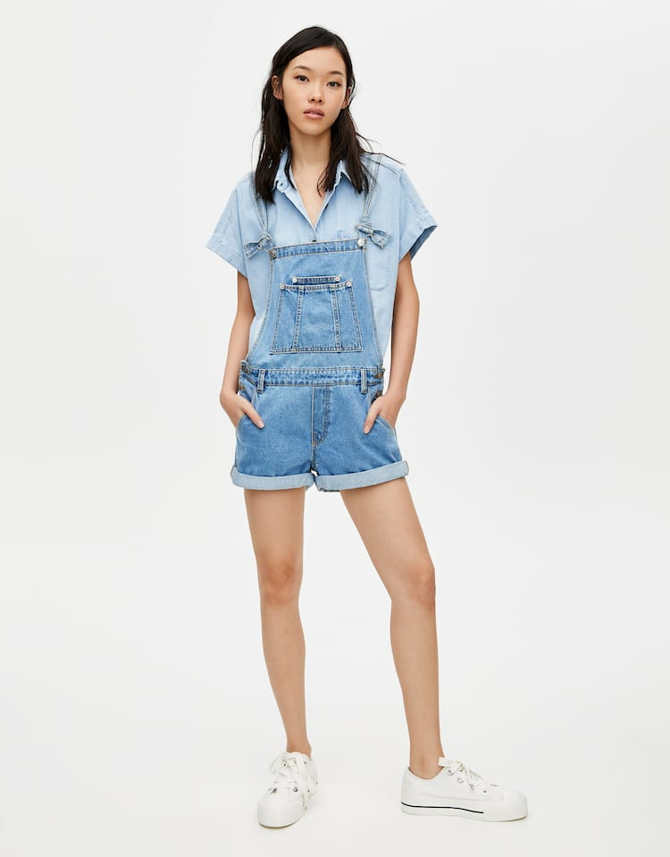 Teenage girl with overalls, teen pussy tits