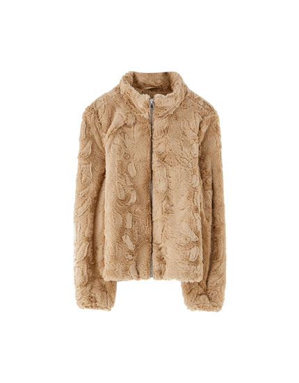 Faux fur jacket with zip fastening