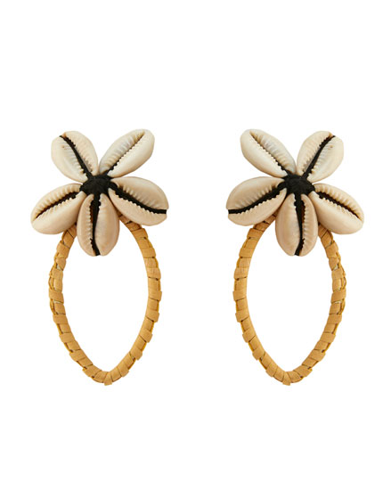 Shell and wicker earrings