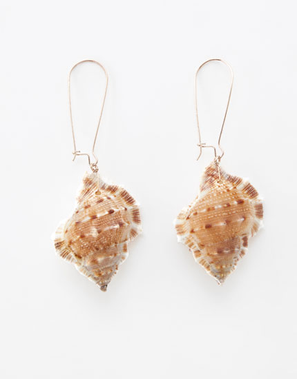 Shell teardrop earrings