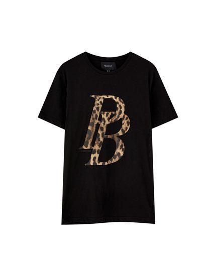 T-shirt med logo og leopardprint