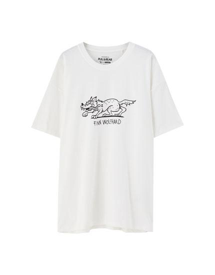 Finn Wolfhard white T-shirt