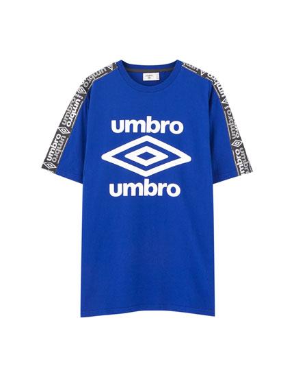 Camiseta Umbro x Pull&Bear azul