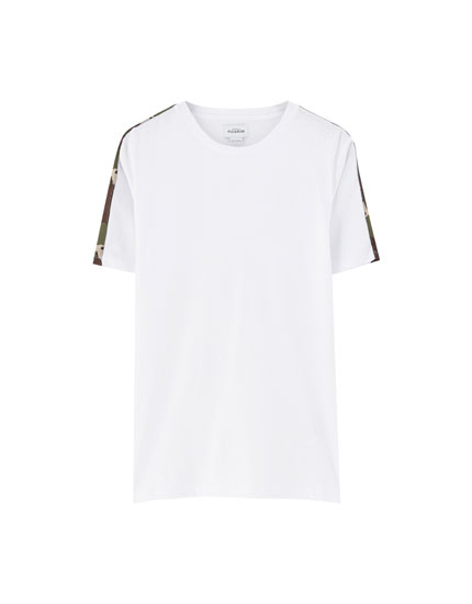 Short sleeve T-shirt with camouflage taping