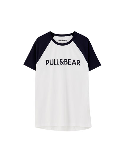 T-shirt with logo and raglan sleeves