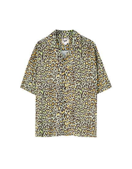 Green animal print viscose shirt