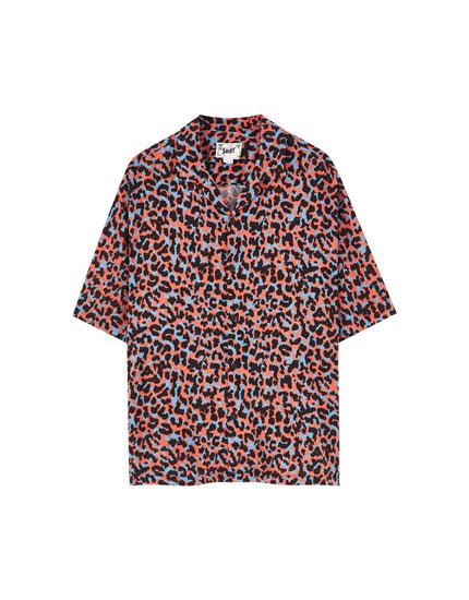 Camisa animal print coral