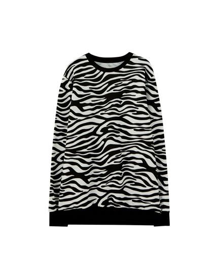 Round neck zebra print sweatshirt