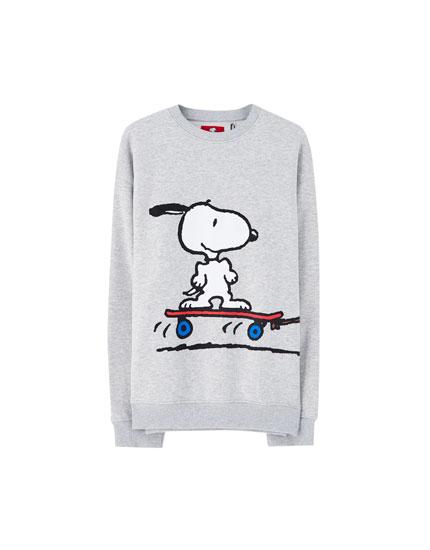 Peanuts Snoopy and Charlie Brown sweatshirt
