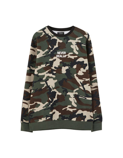 Camouflage sweatshirt with sleeve taping