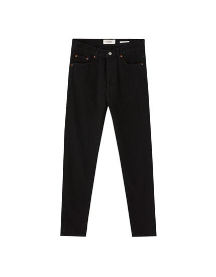 Jeans ajuste recto básicos
