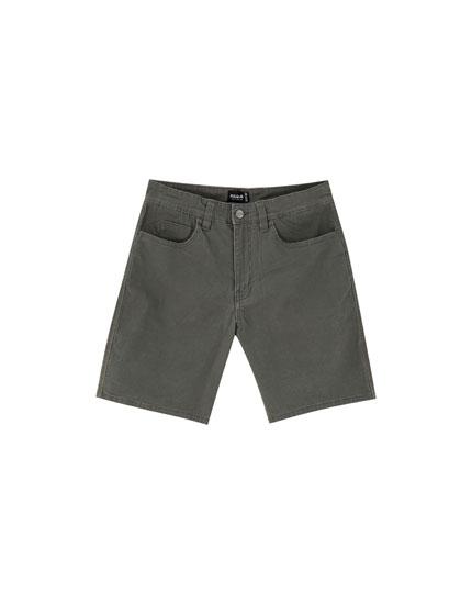 Basic five-pocket Bermuda shorts
