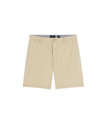 Basic Bermuda shorts with belt