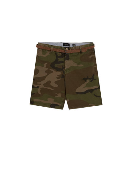 Camouflage Bermuda shorts with belt