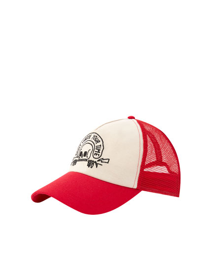 Red mesh cap with skull