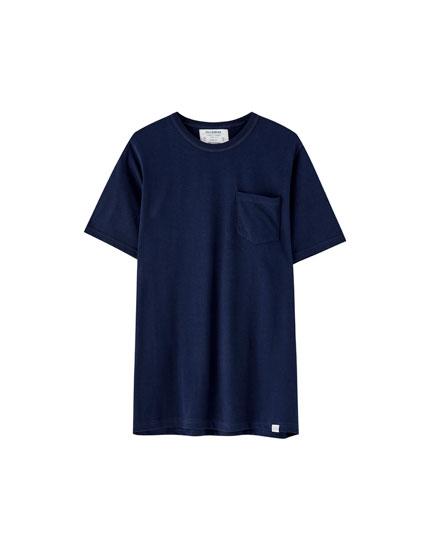 Cepli kalın dokuma t-shirt