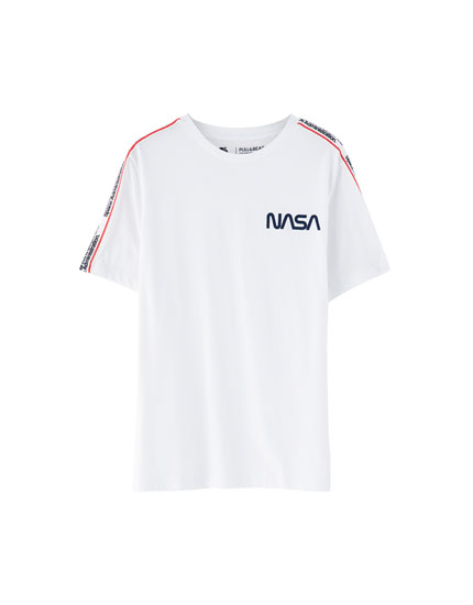 Nasa T-shirt with strip on sleeve