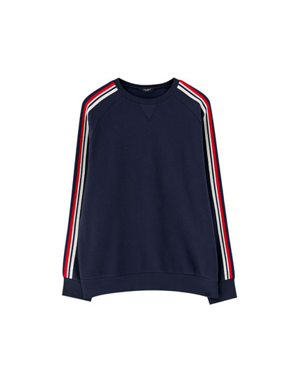 Sweatshirt with side taping