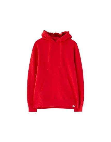Vienkāršs džemperis ar ķengurkabatu